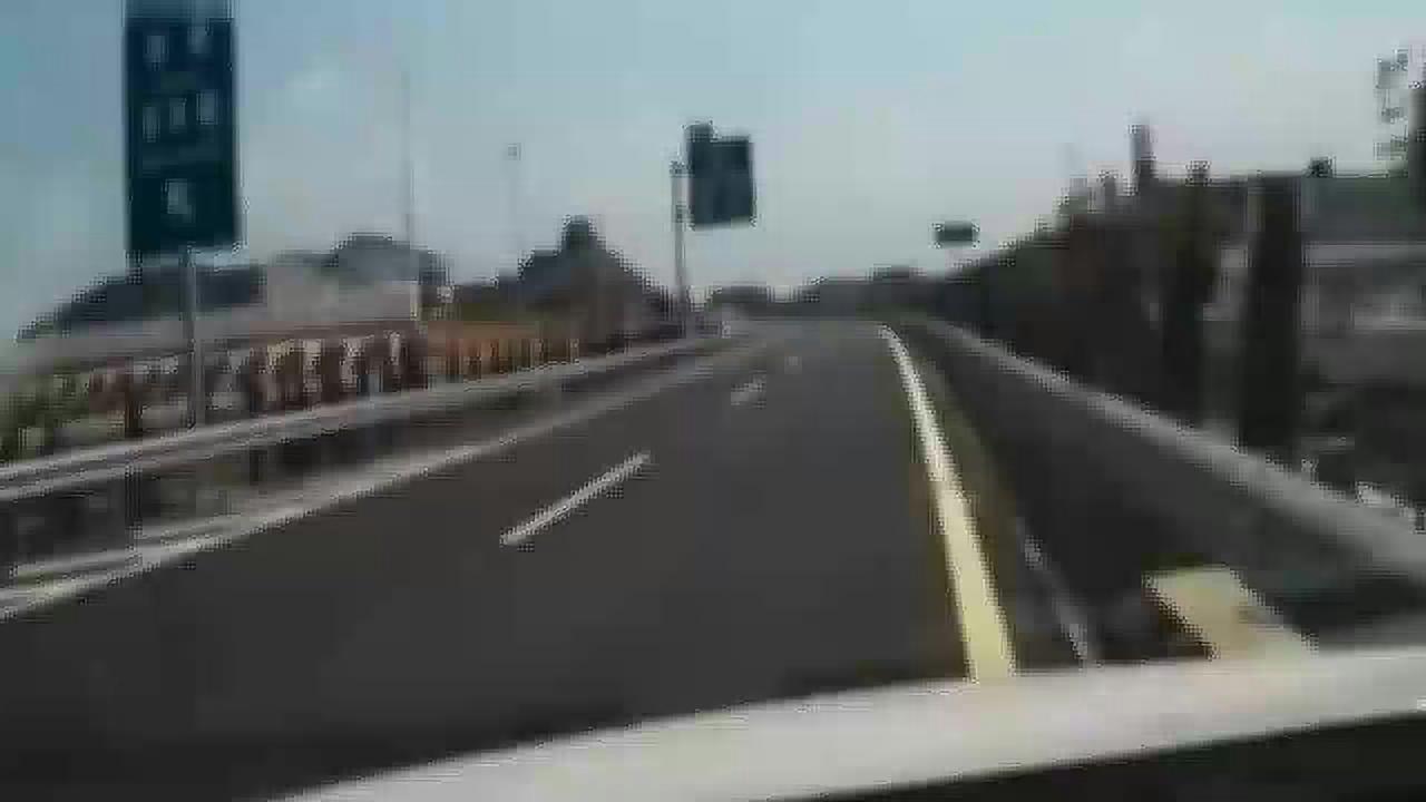 """女司机高速上掉头,连喊两声""""妈呀"""",最后还是被撞飞!"""